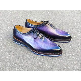 Purple, blue, Grey, Black, so many colors on that one. . . . #edouarddeseine #esparis #patina #patine #glaçage #shoepolish #shoesoftheday #shoeshine #purpleshoes #patinashoes